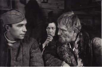 "Bronius Babkauskas (dešinėje) – Levonas filme ""Liepsna"" (rež. V. Četverikovas). 1974 m. PAVB F54-62-3"