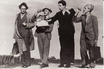 Pakeliui į Kubiliūnus (Radviliškio r.): Juozas Miltinis, Jonas Kazlauskas, Bronius Babkauskas, Vaclovas Blėdis. 1943 m. Fotogr. Kazimiero Vitkaus. PAVB FJM-1019/11