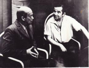 """J. Grušas """"Pijus nebuvo protingas"""" (rež. Juozas Miltinis), 1974 m. Gediminas Karka – Garunkštis, Bronius Babkauskas – Pijus. Fotogr. Kazimiero Vitkaus. PAVB FKV-208/3-5"""