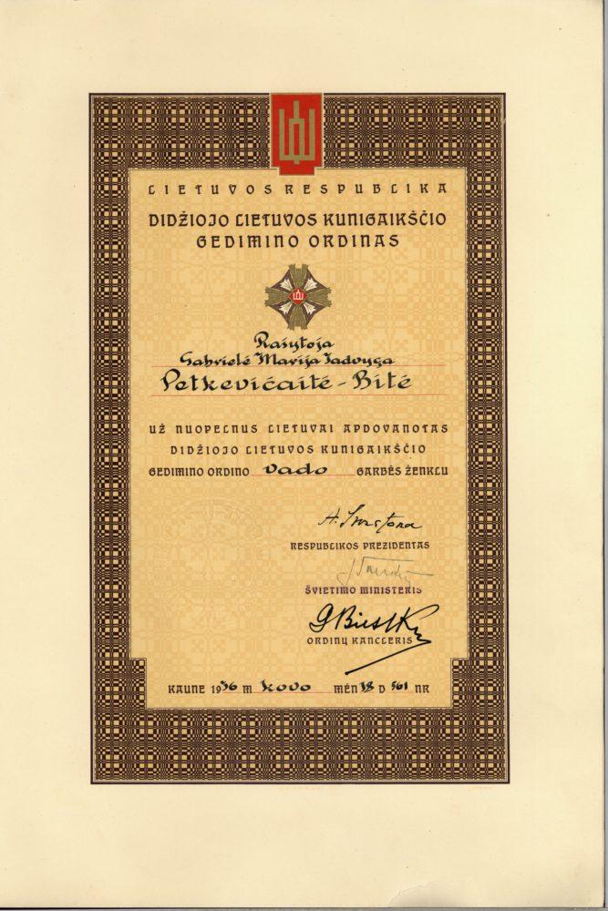 Gabrielės Petkevičaitės-Bitės apdovanojimo Didžiojo Lietuvos Kunigaikščio Gedimino ordino Vado ženklu už nuopelnus Lietuvai pažymėjimas. 1936 m. kovo 18 d. LLTI MB F30-866