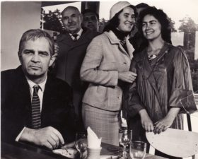 """Bronius Babkauskas (kairėje) – Rimša filme """"Vienos dienos kronika"""" (rež. Vytautas Žalakevičius). 1963 m. PAVB F54-41-5"""