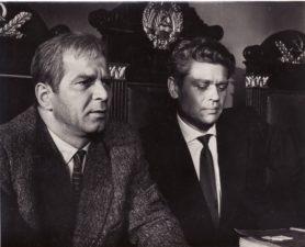 """Bronius Babkauskas (kairėje) – Rimša filme """"Vienos dienos kronika"""" (rež. Vytautas Žalakevičius). 1963 m. PAVB F54-41-7"""