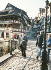 Monsinjoras Jonas Juodelis Strasbūre (Prancūzija). Apie 2000 m. Panevėžio apskrities Gabrielės Petkevičaitės-Bitės viešoji biblioteka, Jono Juodelio fondas F121-168