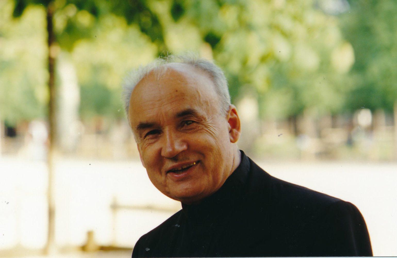 Monsinjoras Jonas Juodelis. Panevėžys. Apie 1995 m. Panevėžio apskrities Gabrielės Petkevičaitės-Bitės viešoji biblioteka, Jono Juodelio fondas F121-121