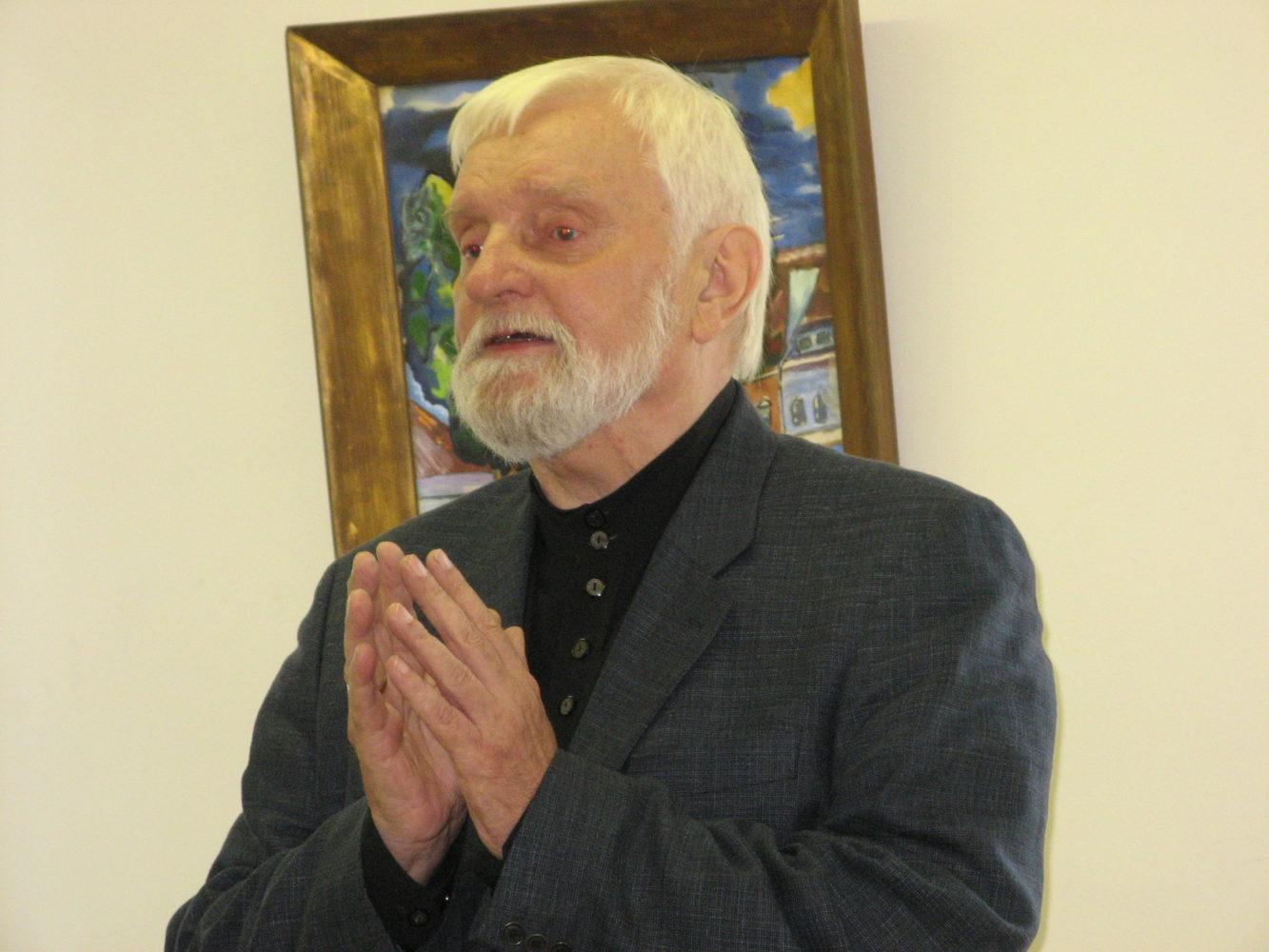 Nuotraukoje aktorius Algimantas Masiulis Juozo Miltinio palikimo studijų centre. 2006 m. rugsėjis (nuotr. Virginijaus Benašo)