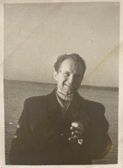Česys Gediminas Cemnolonskis, grįžęs iš tremties į Lietuvą. 1956 m. Kęstučio Cemnolonskio asmeninis archyvas