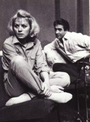 """V. Merežko """"Aš – moteris"""" (rež. Algimantas Pociūnas), 1986 m. Gražina Urbonavičiūtė – Maša, Algirdas Paulavičius – Kirilas. Fotogr. Kazimiero Vitkaus. PAVB FKV-250/7-3"""