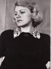 Gražina Urbonavičiūtė. Panevėžys, 1987 m. Fotogr. Kazimiero Vitkaus. PAVB FKV-405/11-6