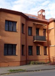 Namas, kuriame 1961–1975 m. gyveno teatro ir kino aktorius Bronius Babkauskas. Giedriaus Zauros nuotrauka